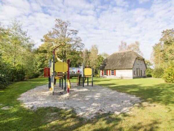 Landal Het Land van Bartje 8ELK - Nederland - Drenthe - 8 personen - speeltoestel